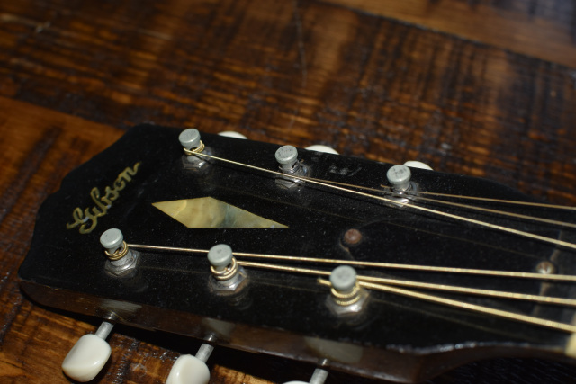 1933-GIBSON-L-4-4