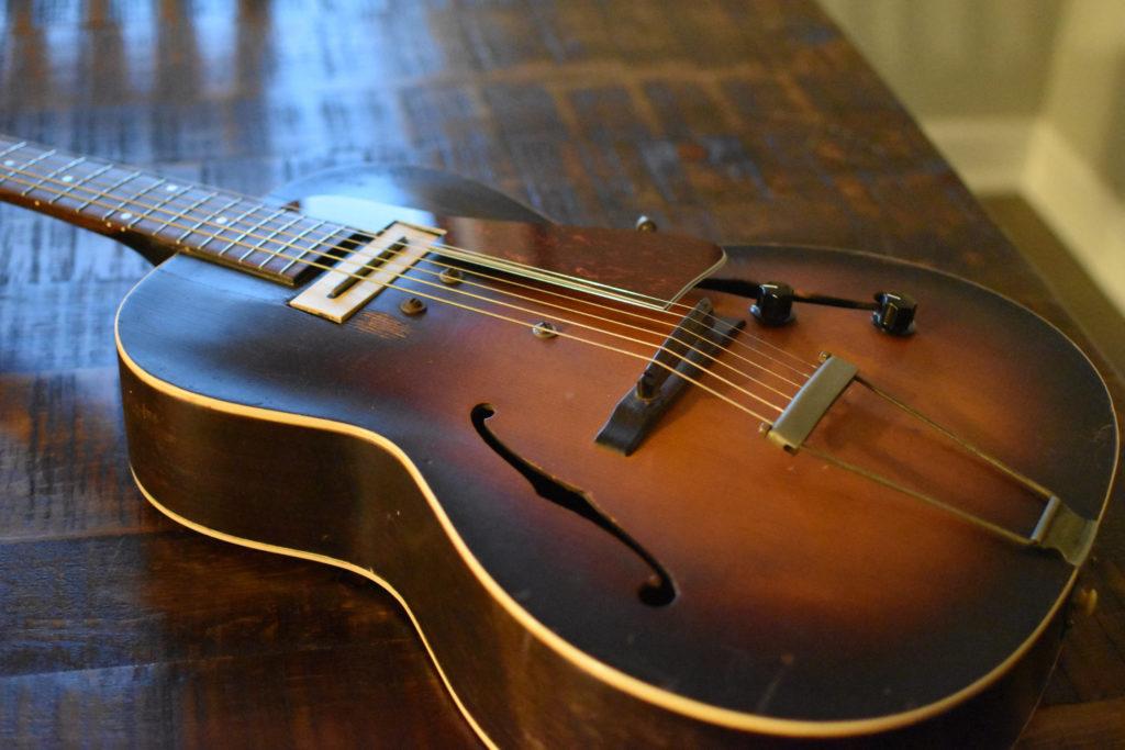 1939-GIBSON-ES-100-2