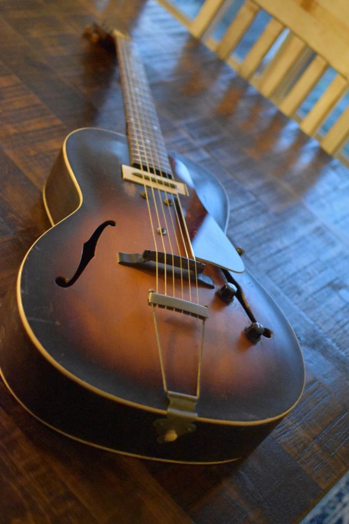 1939-GIBSON-ES-100