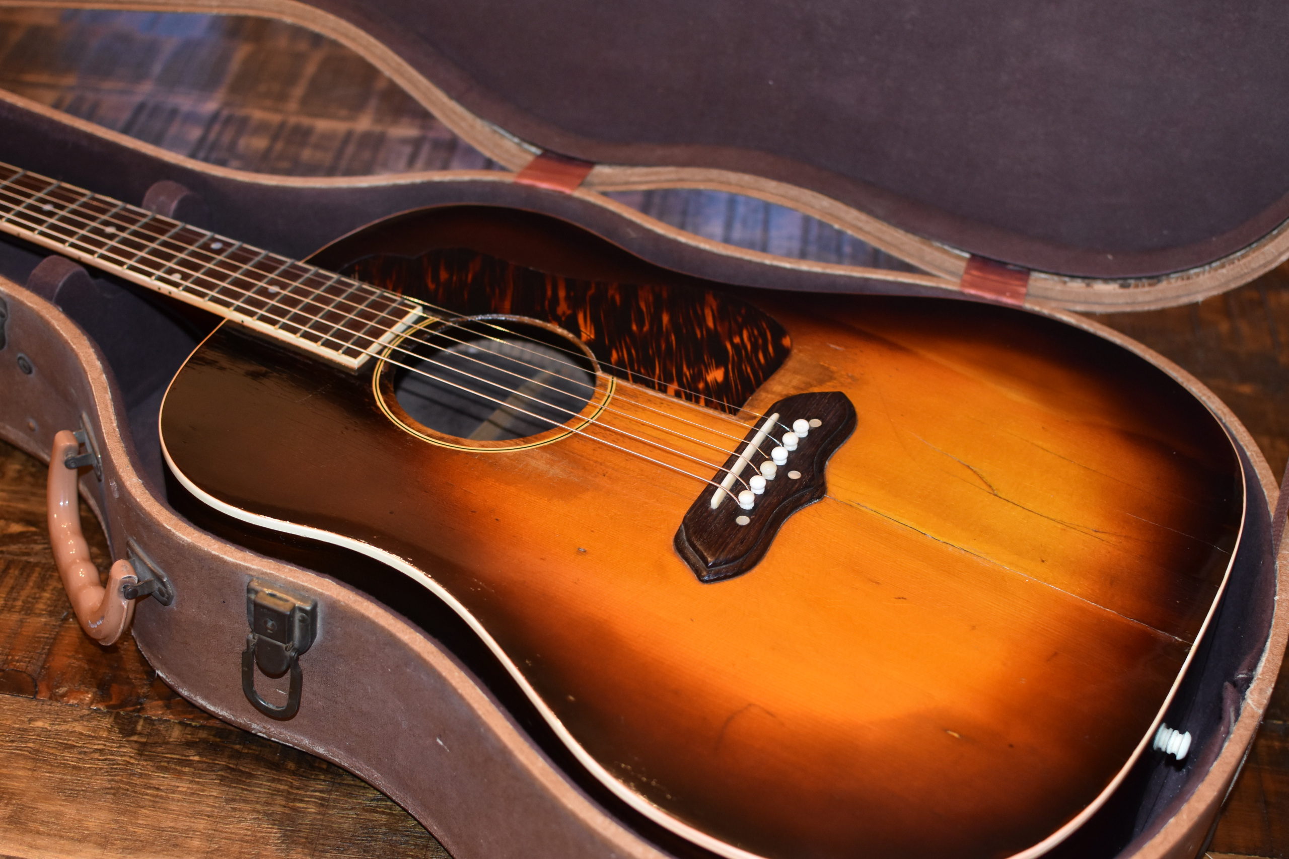 1940-GIBSON-J-55-ROSEWOOD