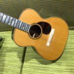 2004-BOURGEOIS-NAMM-PRESENTATION-GUITAR-3