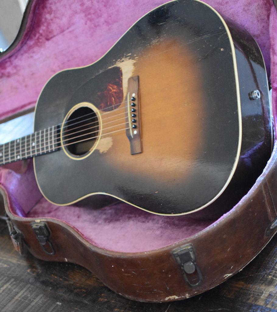 1952-Gibson-J-45-2