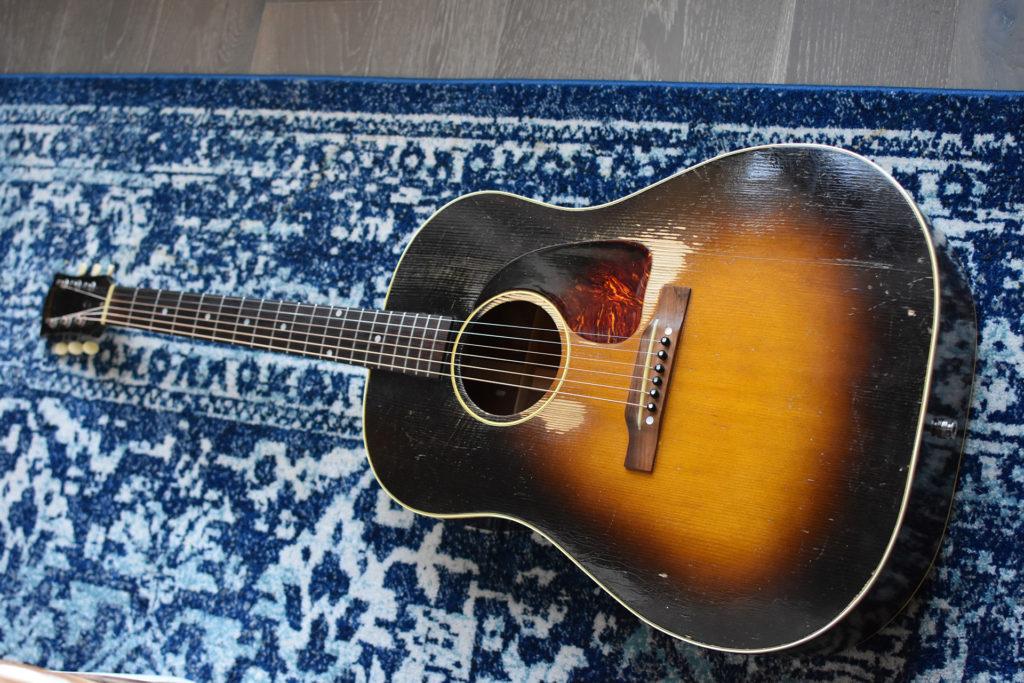 1952-Gibson-J-45-3