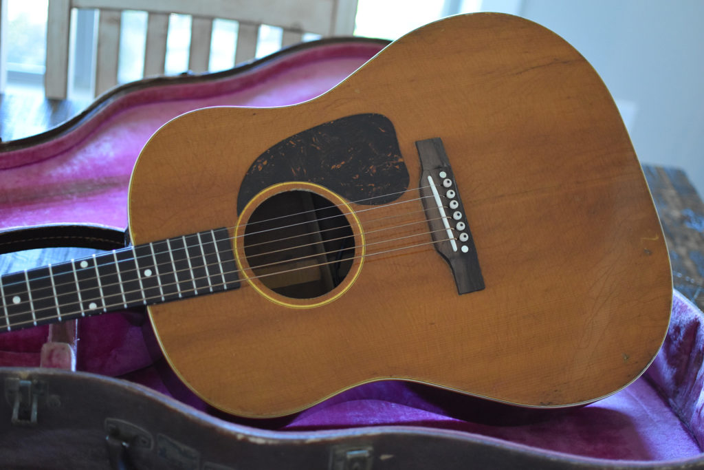1952-Gibson-J-50-2