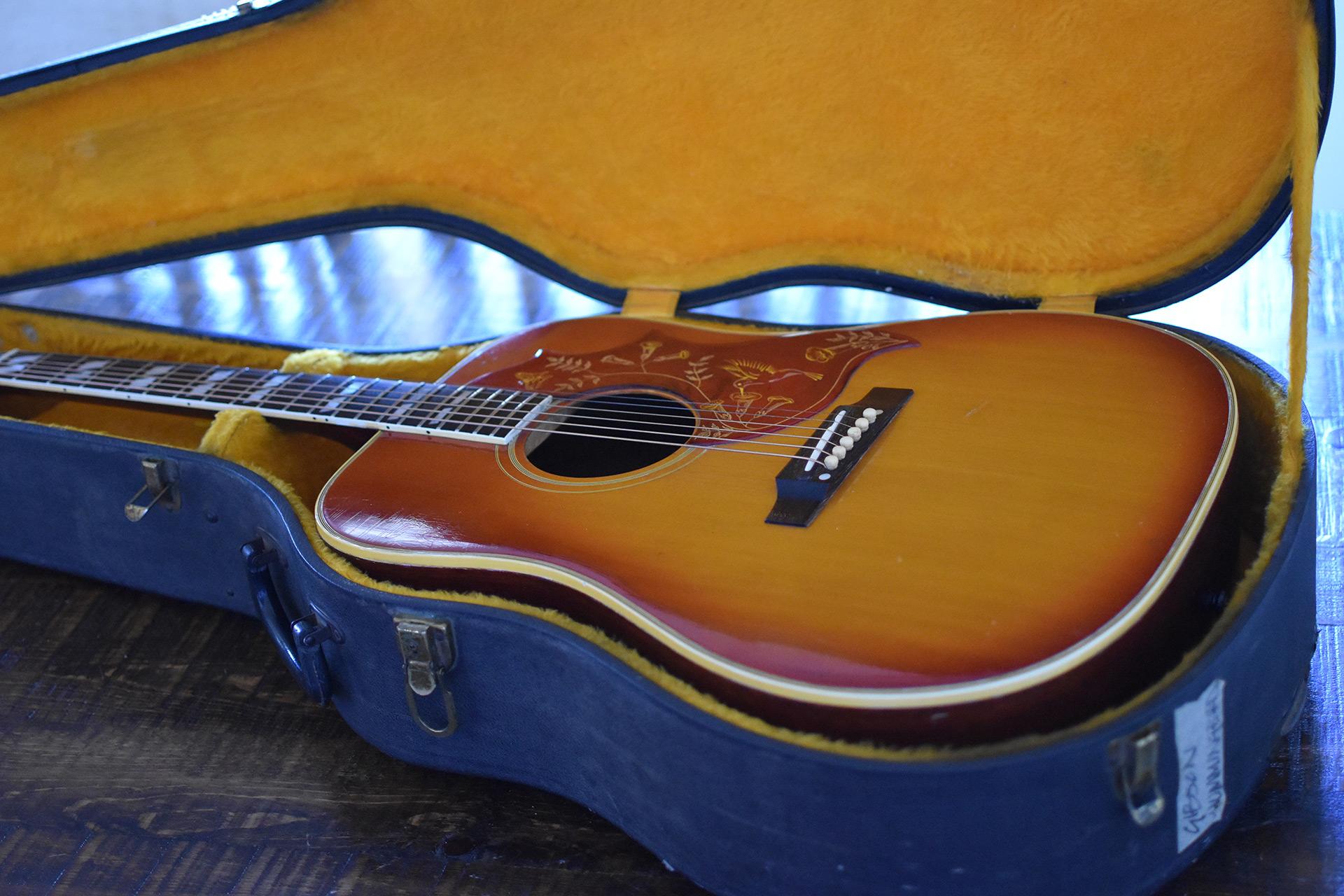 1965-Gibson-Dove